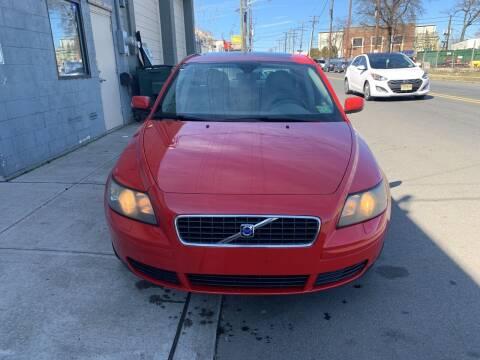 2006 Volvo S40 for sale at SUNSHINE AUTO SALES LLC in Paterson NJ