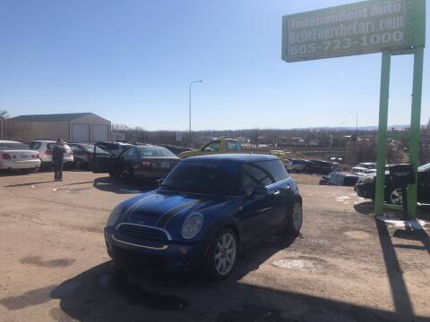 2005 MINI Cooper for sale at Independent Auto in Belle Fourche SD