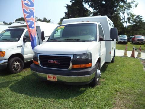 2008 GMC Savana Cutaway for sale at H and H Truck Center in Newport News VA