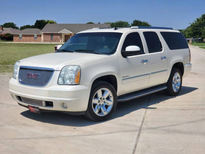 2013 GMC Yukon XL for sale at Chihuahua Auto Sales in Perryton TX