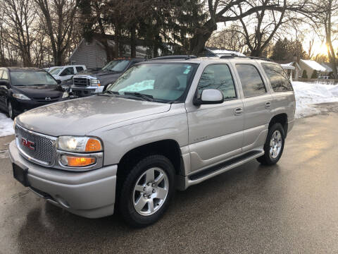 2004 GMC Yukon for sale at CPM Motors Inc in Elgin IL