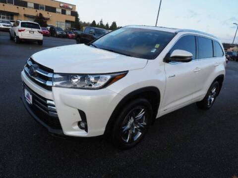 2019 Toyota Highlander Hybrid for sale at Karmart in Burlington WA