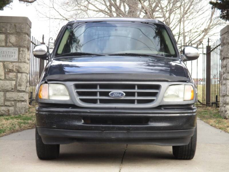 2000 Ford F-150 for sale at Blue Ridge Auto Outlet in Kansas City MO