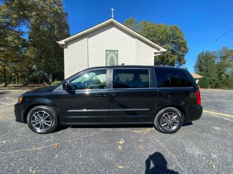 2016 Chrysler Town and Country for sale at Tennessee Valley Wholesale Autos LLC in Huntsville AL