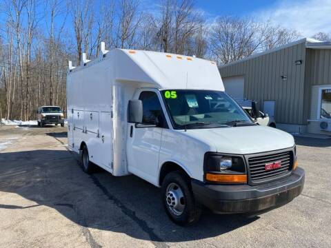 2005 GMC Savana Cutaway for sale at Auto Towne in Abington MA