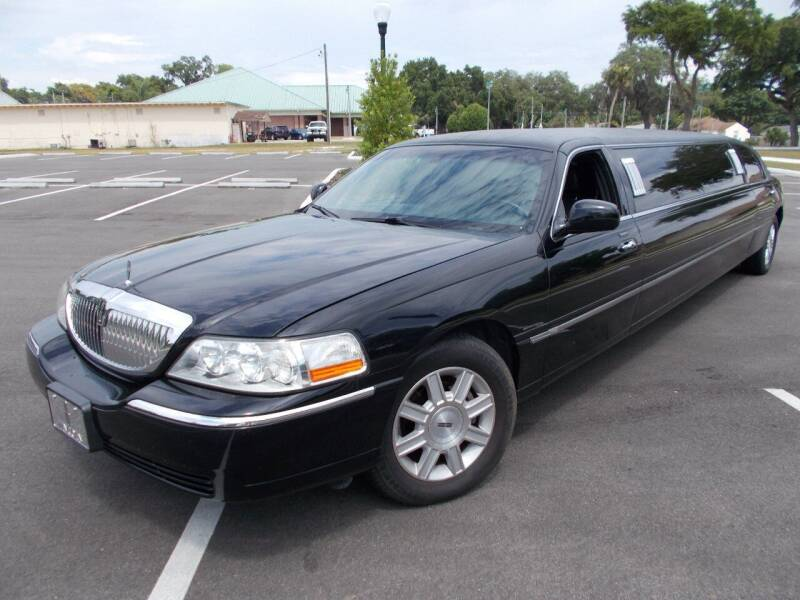 2007 Lincoln Town Car for sale at LANCASTER'S AUTO SALES INC in Fruitland Park FL