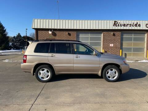 2005 Toyota Highlander for sale at RIVERSIDE AUTO SALES in Sioux City IA