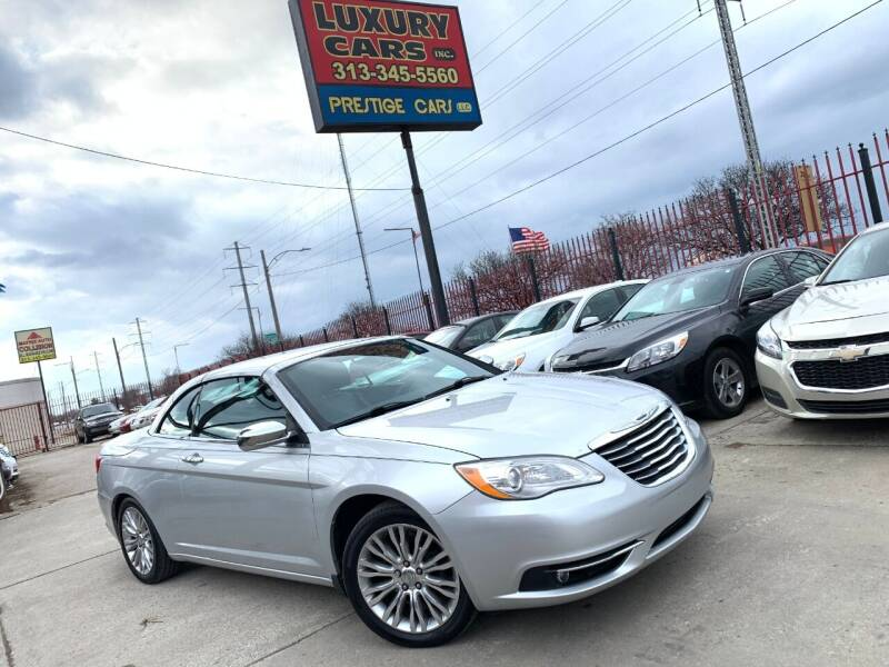 2011 Chrysler 200 Convertible for sale at Dymix Used Autos & Luxury Cars Inc in Detroit MI