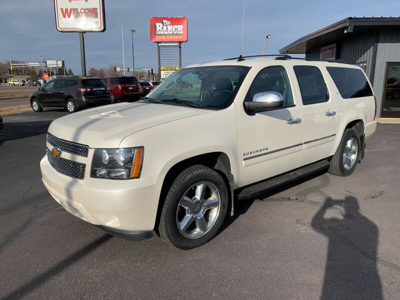 2014 Chevrolet Suburban for sale at Welcome Motor Co in Fairmont MN