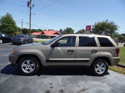 2005 Jeep Grand Cherokee for sale at CAROLINA MOTORS in Thomasville NC