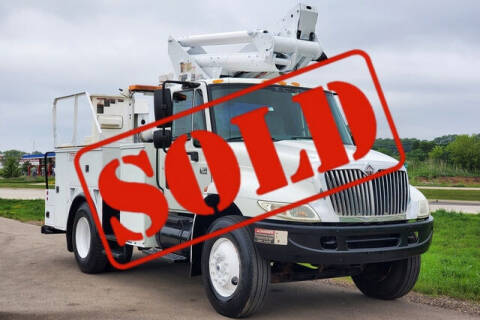 2004 International DuraStar 4300 for sale at Signature Truck Center in Crystal Lake IL