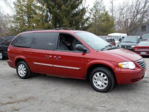 2006 Chrysler Town and Country for sale at Superior Auto Sales in Miamisburg OH