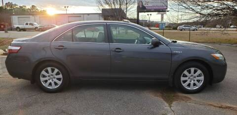 2009 Toyota Camry Hybrid for sale at Tennessee Valley Wholesale Autos LLC in Huntsville AL