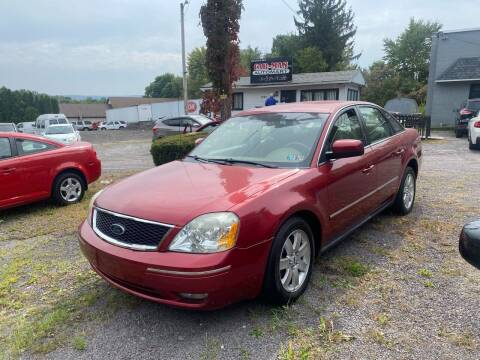 2005 Ford Five Hundred for sale at Car Man Auto in Old Forge PA