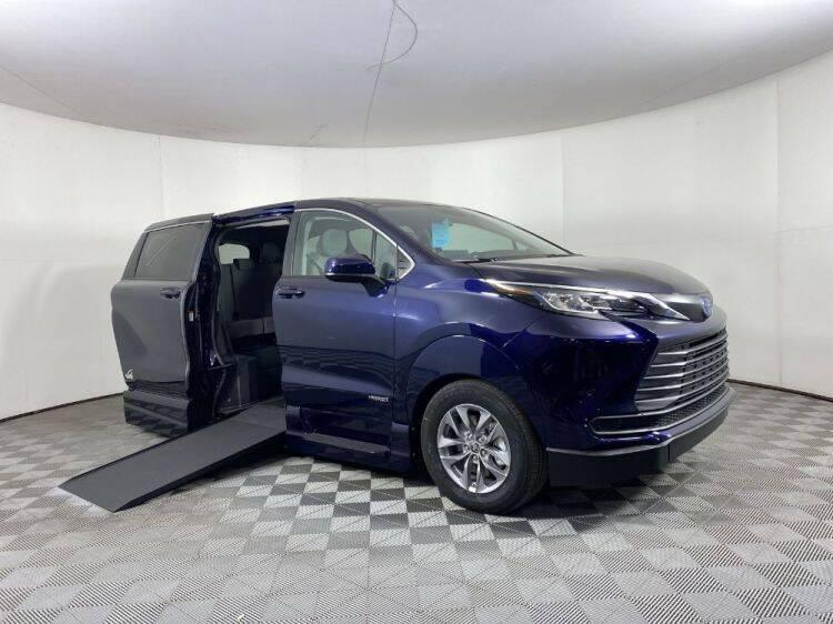 2021 Toyota Sienna for sale in Tucker, GA