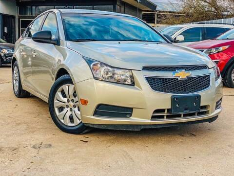 2014 Chevrolet Cruze for sale at MAGNA CUM LAUDE AUTO COMPANY in Lubbock TX
