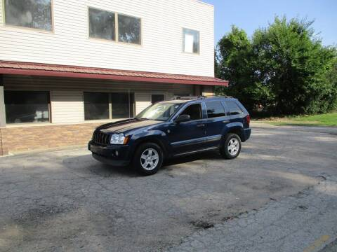 2005 Jeep Grand Cherokee for sale at Settle Auto Sales STATE RD. in Fort Wayne IN