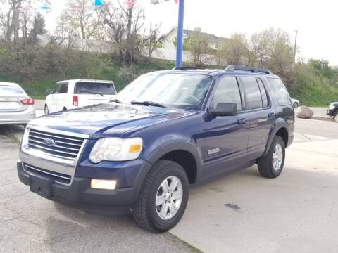 2007 Ford Explorer for sale at FRESH TREAD AUTO LLC in Springville UT