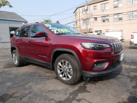 2019 Jeep Cherokee for sale at M & R Auto Sales INC. in North Plainfield NJ