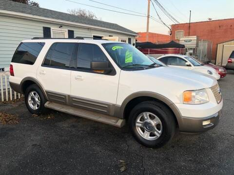 2004 Ford Expedition for sale at LINDER'S AUTO SALES in Gastonia NC