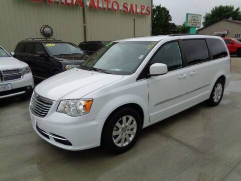 2014 Chrysler Town and Country for sale at De Anda Auto Sales in Storm Lake IA