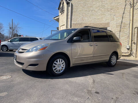2008 Toyota Sienna for sale at Strong Automotive in Watertown WI