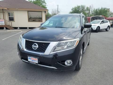 2014 Nissan Pathfinder for sale at Mid Valley Motors in La Feria TX