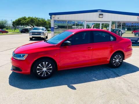 2013 Volkswagen Jetta for sale at Pioneer Auto in Ponca OK