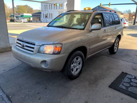 2006 Toyota Highlander for sale at ROBINSON AUTO BROKERS in Dallas NC