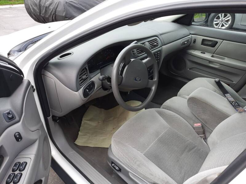 2005 Ford Taurus for sale at Harmony Auto Sales in Marengo IL