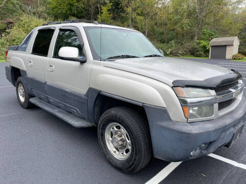 2004 Chevrolet Avalanche for sale at CAR TRADE in Slatington PA