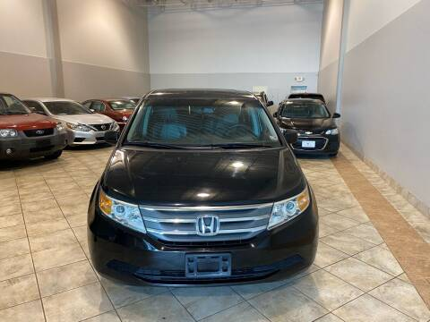 2012 Honda Odyssey for sale at Super Bee Auto in Chantilly VA