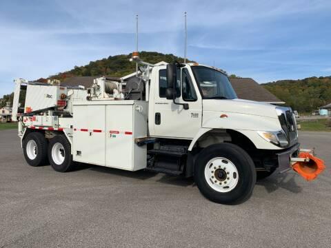 2006 International 7400 for sale at Henderson Truck & Equipment Inc. in Harman WV