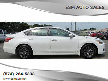 2015 Nissan Altima for sale at ESM Auto Sales in Elkhart IN