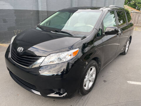 2013 Toyota Sienna for sale at APX Auto Brokers in Lynnwood WA