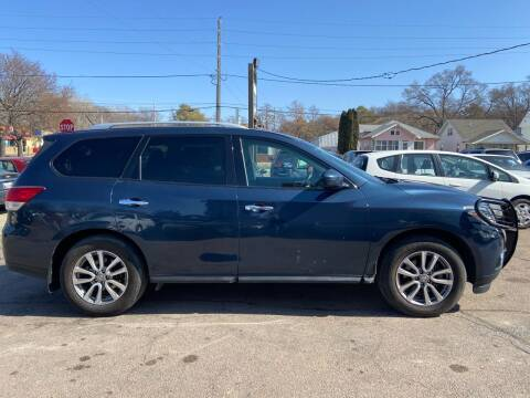 2014 Nissan Pathfinder for sale at RIVERSIDE AUTO SALES in Sioux City IA