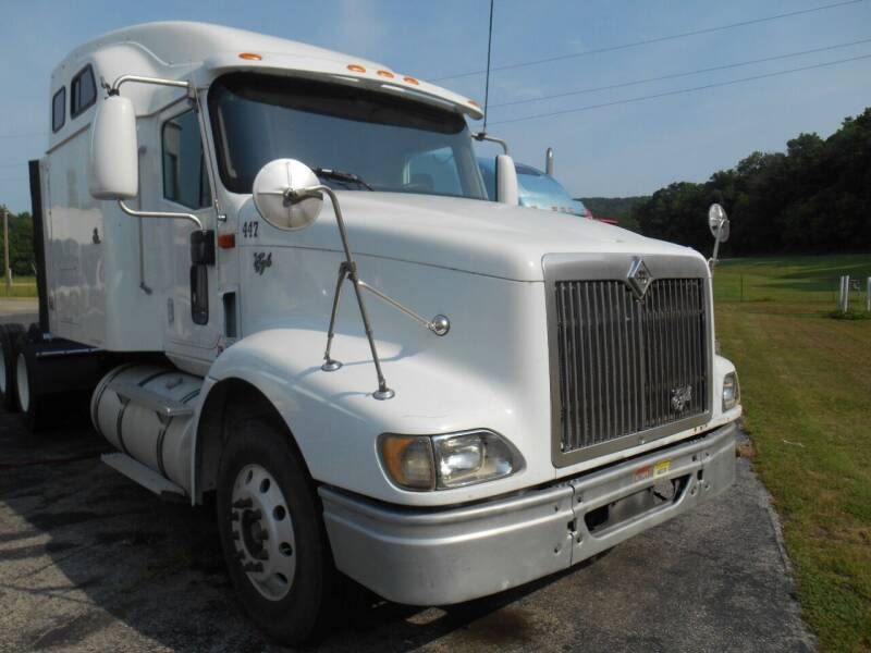 2000 International 9400i for sale at Maczuk Automotive Group in Hermann MO