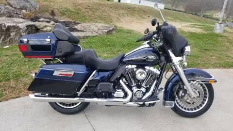 2012 Harley-Davidson FLHTCU for sale at HIGHWAY 12 MOTORSPORTS in Nashville TN