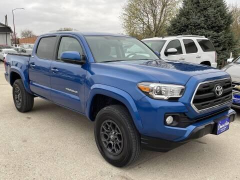 2017 Toyota Tacoma for sale at Choice Auto in Carroll IA
