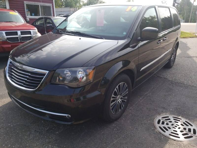 2014 Chrysler Town and Country for sale at Hwy 13 Motors in Wisconsin Dells WI