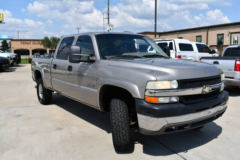 2002 Chevrolet Silverado 2500HD for sale at WHITT'S AUTO SALES, LLC in Houston TX