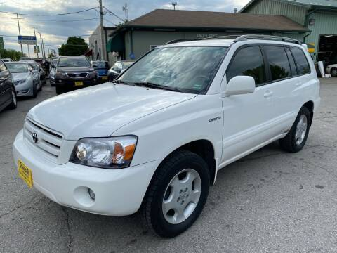 2006 Toyota Highlander for sale at ASHLAND AUTO SALES in Columbia MO