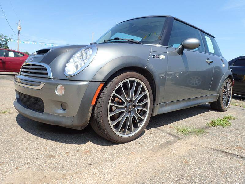 2005 MINI Cooper for sale at RPM AUTO SALES in Lansing MI
