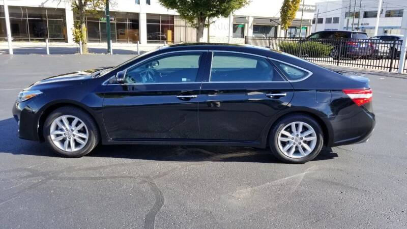 2015 Toyota Avalon for sale at Burhill Leasing Corp. in Dayton OH