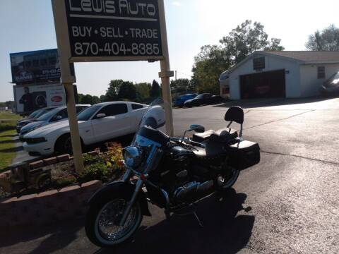 2017 Suzuki Boulevard  for sale at LEWIS AUTO in Mountain Home AR