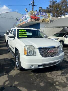 2010 GMC Yukon for sale at LA PLAYITA AUTO SALES INC - 3271 E. Firestone Blvd Lot in South Gate CA