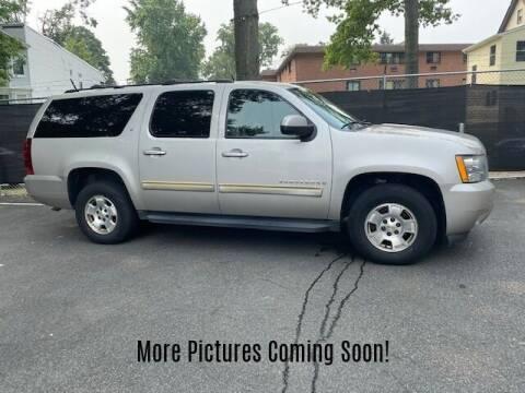 2009 Chevrolet Suburban for sale at Warner Motors in East Orange NJ