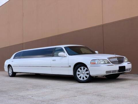2007 Lincoln Town Car for sale at Texas Prime Motors in Houston TX