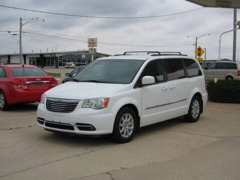 2014 Chrysler Town and Country for sale at Rochelle Motor Sales INC in Rochelle IL