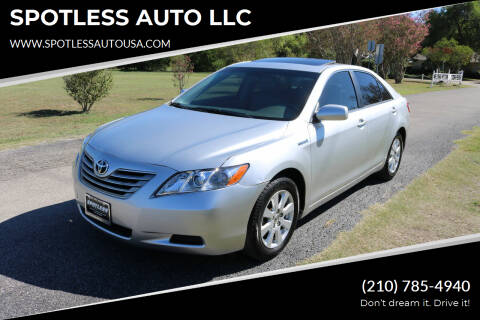 2007 Toyota Camry Hybrid for sale at SPOTLESS AUTO LLC in San Antonio TX